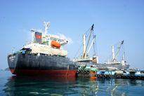 Cứu nạn thuyền viên Việt Nam trên vùng biển Malaysia