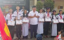 Khai giảng sớm tại trường có hơn 200 học sinh không được nhận thưởng