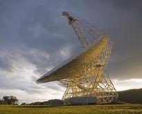 Phát hiện sóng vô tuyến bí ẩn cách Trái Đất 3 tỷ năm ánh sáng