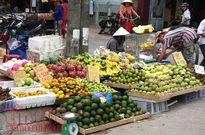 Thị trường Rằm tháng 7: Hoa tươi, trái cây tăng giá nhẹ