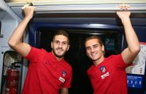 Griezmann, Koke thích thú đi tàu điện đến Wanda Metropolitano