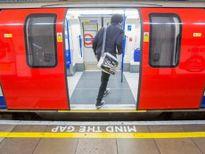 Nổ trong tàu điện ngầm ở London, một số hành khách bị bỏng