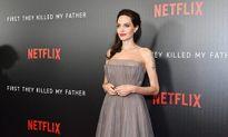 Lâu lắm rồi mới thấy Angelina Jolie tươi tắn, xinh đẹp thế này