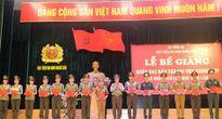 Trao bằng tốt nghiệp cho các tân sỹ quan An ninh Việt Nam và Lào