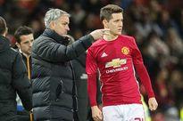 Lý do bất ngờ Mourinho đày đọa Herrera ở MU