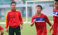 HLV Hoàng Anh Tuấn nói một câu, cầu thủ U18 Việt Nam xấu hổ