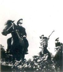 Chủ động tổ chức lực lượng chặn địch