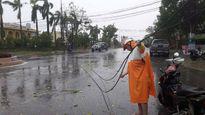 Mạng internet FPT ở miền Trung tê liệt do bão