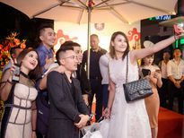 Dàn 'sao khủng' mừng Hoa hậu Diễm Hương khai trương tiệm bánh tại Hà Nội