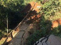 Sạt lở mái taluy âm đường, huyện Trạm Tấu tạm thời bị 'cô lập'