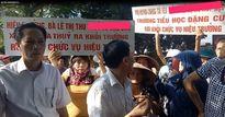 Hiệu trưởng trường Tiểu học Đặng Cương bị đình chỉ vì lạm thu 10 triệu/1 học sinh