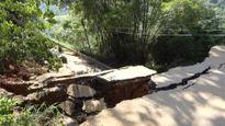 Tỉnh lộ Yên Bái bất ngờ sụp sâu 10 mét