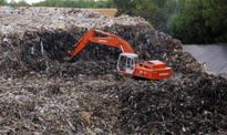 Bãi xử lý quá tải, nguy cơ rác ngập đường ở Quảng Ngãi