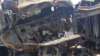 Bố lao vào xe tử vong:Con về lấy chiếu thấy mẹ mất
