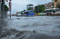 Dự báo thời tiết ngày 20/9: Nước sông tiếp tục lên, Nam Bộ cảnh báo ngập lụt