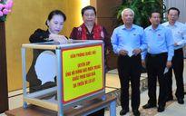 Lãnh đạo Quốc hội quyên góp ủng hộ miền Trung