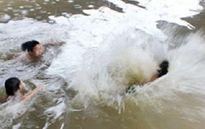Rủ nhau đi tắm đập, nam sinh lớp 11 bị nước cuốn trôi