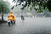 Áp thấp nhiệt đới trên Biển Đông, Hà Tĩnh có mưa rào và giông