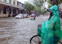 Áp thấp nhiệt đới gây mưa lớn ở Hà Nội