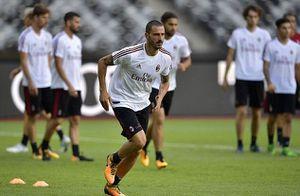 Sau tất cả, Bonucci CHÍNH THỨC tập luyện cùng AC Milan