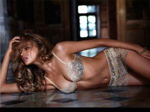 Tanya Mityushina - Siêu mẫu Nga muốn được hẹn hò với Ronaldo
