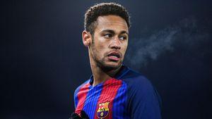 Juventus vs Barcelona (0-2, HT): Neymar tỏa sáng giữa bão tin đồn