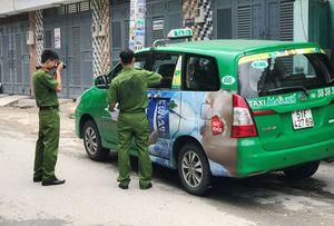 Tài xế taxi công nghệ rút súng bắn lái xe taxi truyền thống ở SG