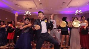 Dân mạng thích thú với clip cô dâu chú rể nhảy cực sung cùng khách mời tại đám cưới