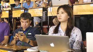 Phóng viên xinh đẹp như Lưu Diệc Phi nói gì về Việt Nam?