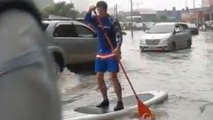 Sieuhai.tv: Chuẩn không cần chỉnh 'Lụt giữa ngã tư đường phố'
