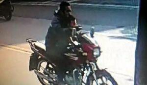 Trung Quốc: Truy tìm kẻ đâm bé trai, giả vờ đưa đến bệnh viện rồi vứt vào thùng rác