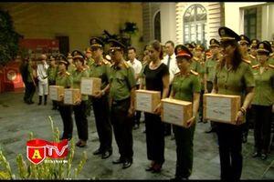 Hội Phụ nữ CATP Hà Nội tri ân các Anh hùng liệt sỹ