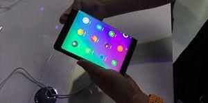 Lenovo tiếp tục trình diễn nguyên mẫu tablet gập đôi tại Tech World 2017