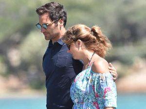 Federer nghỉ ở khu tỷ phú, vợ diện bikini đẹp phát 'ngất'