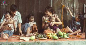 4 nhóc tỳ nhà Lý Hải mặt mũi lem luốc, ống thấp ống cao đi làm nông dân