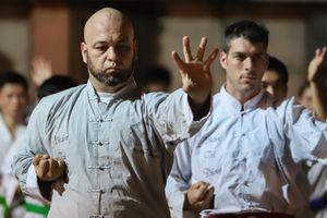 Flores ngợi khen dũng khí các môn đồ Karate Shorin-ryu