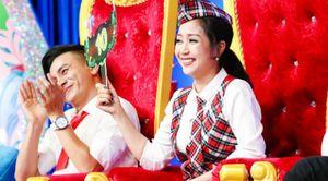 Ốc Thanh Vân cúi đầu cảm ơn cô bé 10 tuổi vì múa ballet xúc động