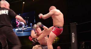 Clip: Loạn đả ở sự kiện MMA vì đòn knock-out không thượng võ