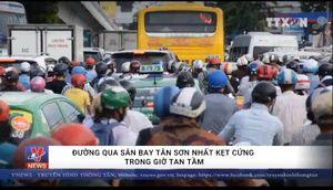 Đường qua sân bay Tân Sơn Nhất kẹt cứng giờ tan tầm