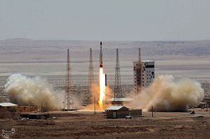 Iran phóng thành công tên lửa mang vệ tinh