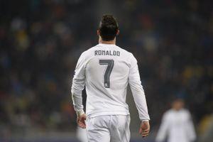 Ronaldo muốn có số con đúng bằng số áo của mình