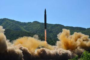 Triều Tiên phóng tên lửa đạn đạo liên lục địa giữa đêm