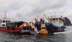 Bục đường ống dẫn, 200 lít dầu tràn ra vịnh Hạ Long