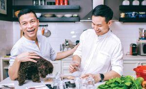 Adrian Anh Tuấn: 'Chọn vedette là bạn thân, hiểu mình'