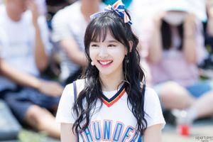 Fan Việt bị lên án vì xô đẩy, giành giật thành viên Twice