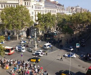 Hiện trường vụ lao xe ở Barcelona