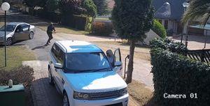 """Cướp suýt """"nuốt gọn"""" chiếc Range Rover, chủ xe quá tỉnh"""
