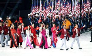 Sắc đỏ của hơn 600 vận động viên Việt Nam diễu hành rực rỡ tại Lễ khai mạc SEA Games 29