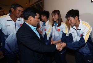 Bộ trưởng Bộ Văn hóa, Thể thao và Du lịch đến thăm, động viên Đoàn Thể thao Việt Nam