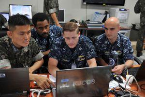 'Anh hùng bàn phím' Mỹ - Hàn tập trận chống Triều Tiên trên máy tính